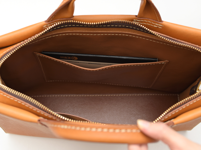 あおりポケット二本手ビジネスバッグ(BW-104) 内ポケット2
