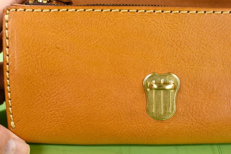 水拭き後の財布の状態