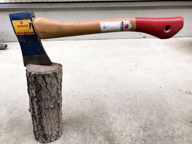 鈴木愛用の斧