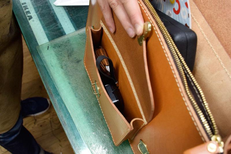 学生鞄風・2wayビジネスバッグ(BC-16) 前面マチ付きポケット