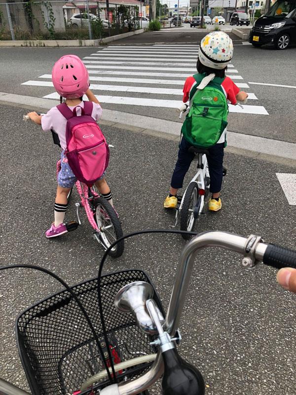 子ども達と自転車に乗る熊谷2