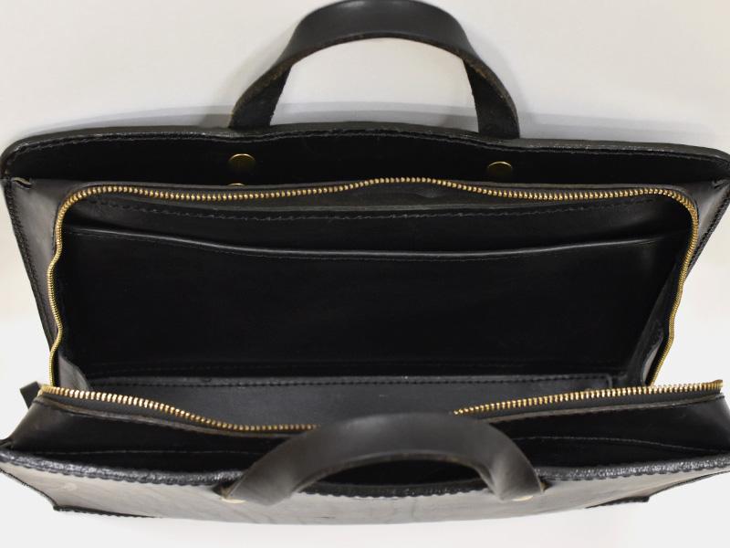 二本手ビジネスバッグ(BW-111)盤面サイズの内ポケットの様子