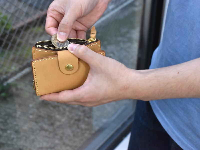 ヌバック特別仕様の小銭入れ付きキーケース
