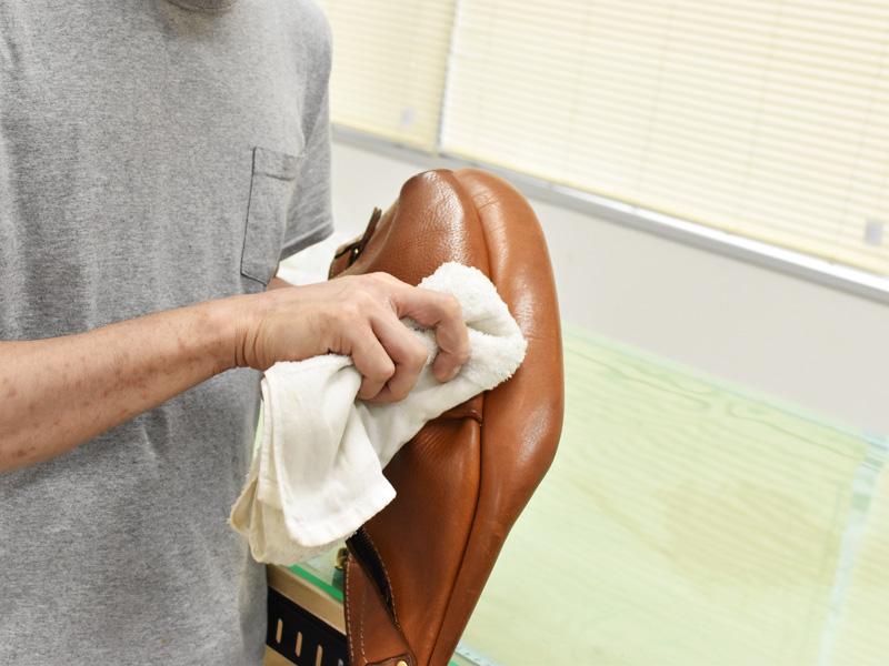 革に傷が付いた際の対処方法2