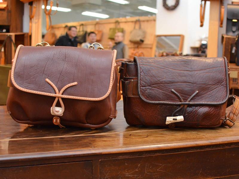 お客様のご愛用品と新品のメッセンジャーバッグ(W-3)