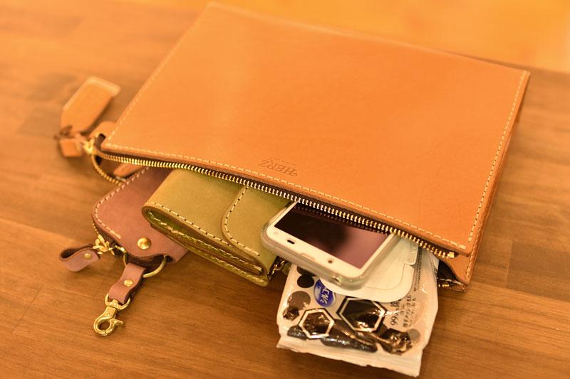 三角マチのセカンドバッグ(S-12) 収納例