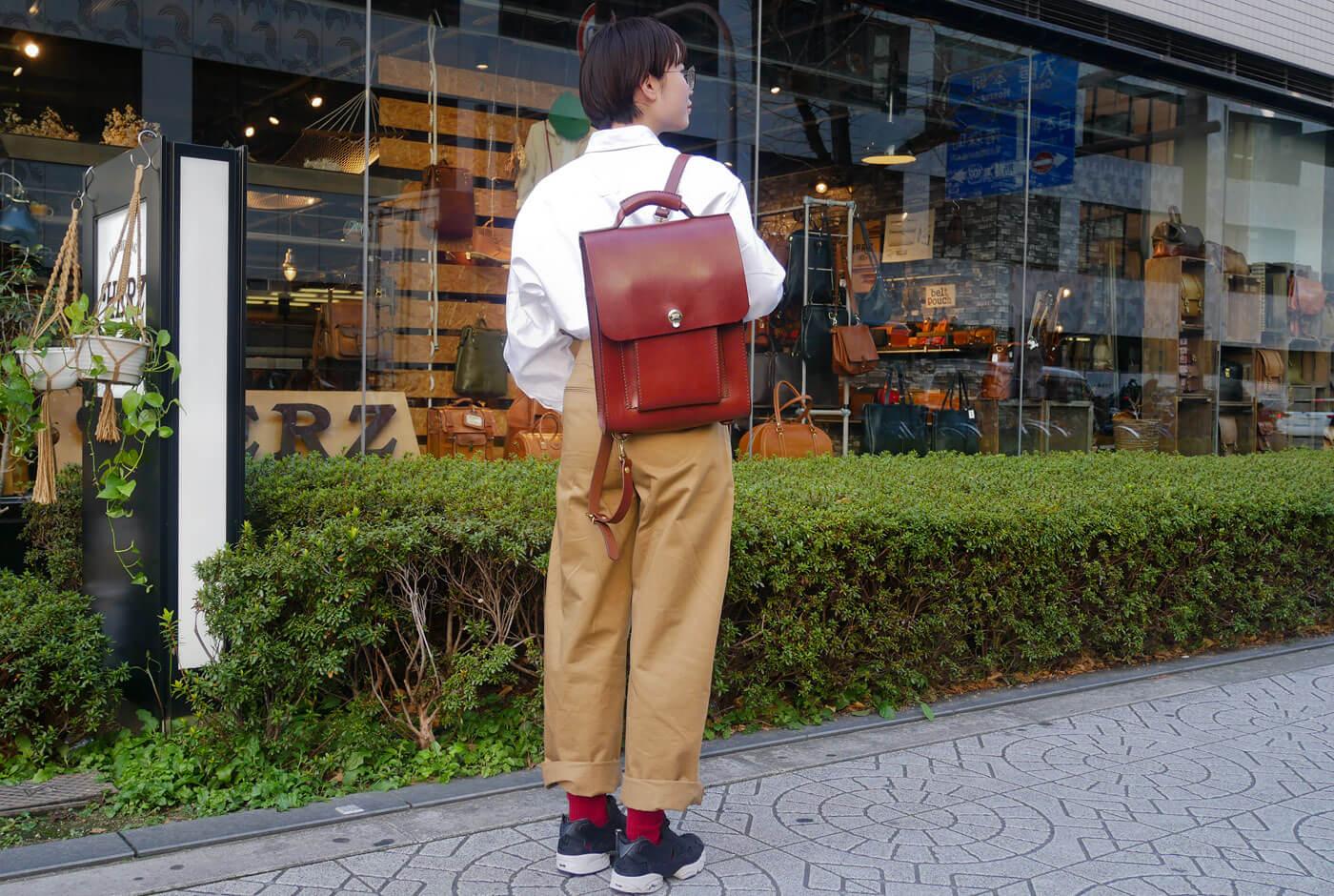 女性スタッフもリュックメインで愛用中!3way縦型バッグ(BC-105)