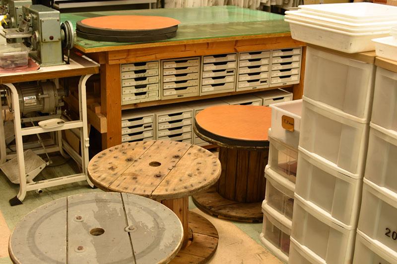 革のベンチ製作工程1