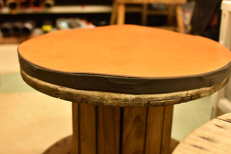 革のベンチ製作工程2