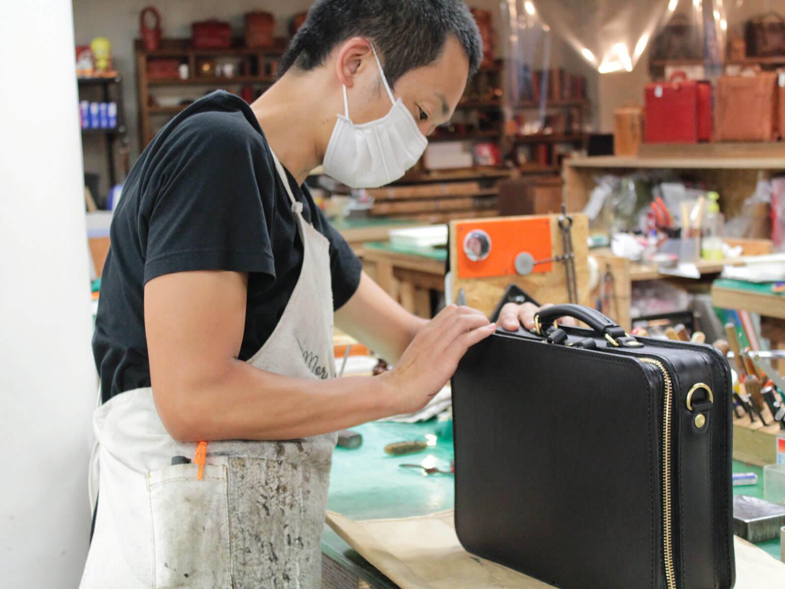 鞄製作中に思うこと ~名古屋店作り手:袴田~