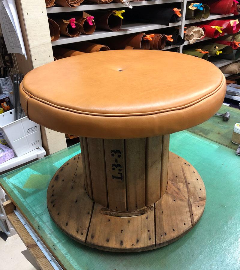 革のベンチ製作工程5