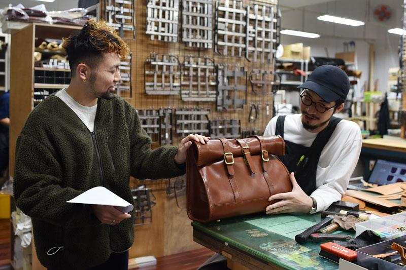 本店スタッフ日野と作り手:小堀