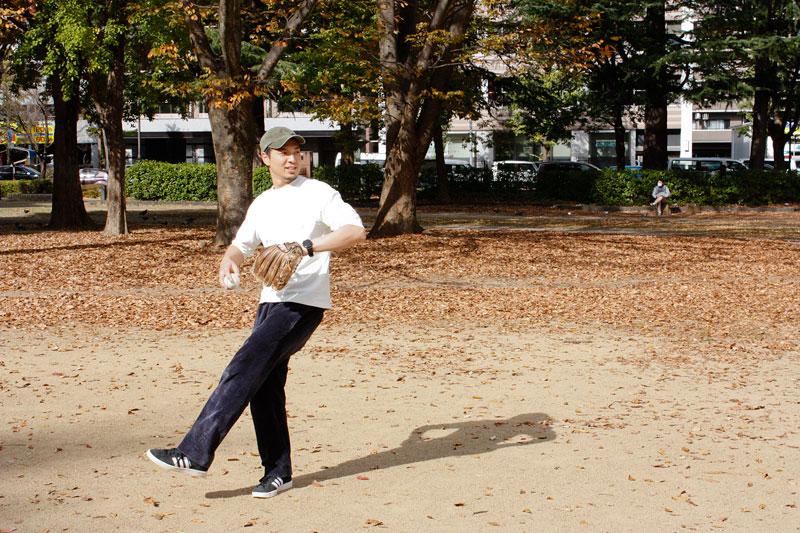 公園でキャッチボール2