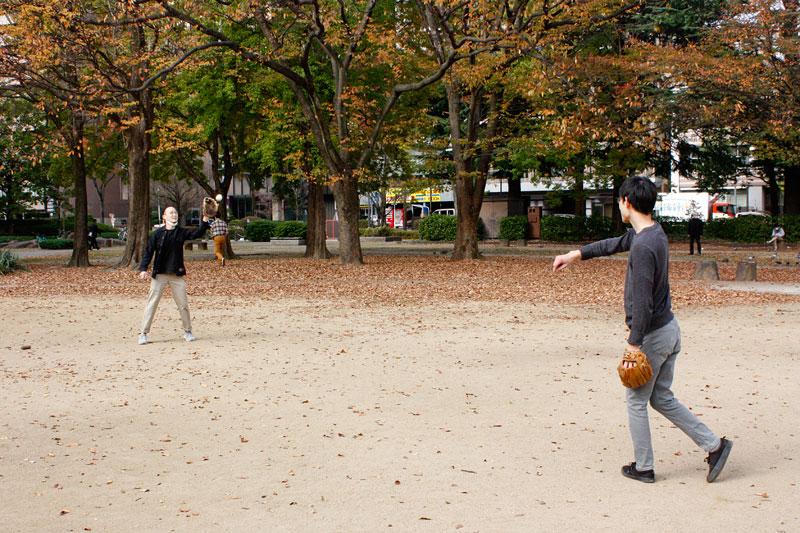 公園でキャッチボール3