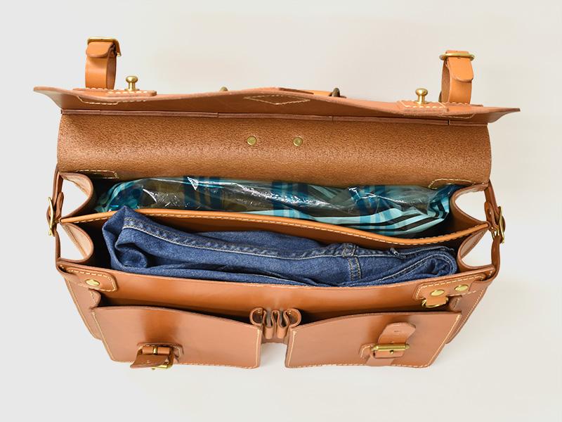 トリップバッグ・Trip Bag(A-102)革色キャメル収納例