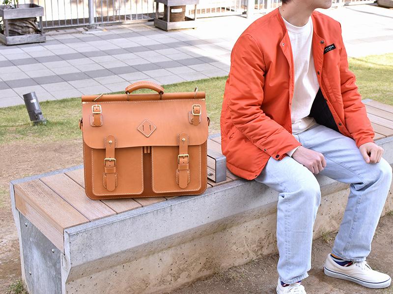 トリップバッグ・Trip Bag(A-102)革色キャメル使用例