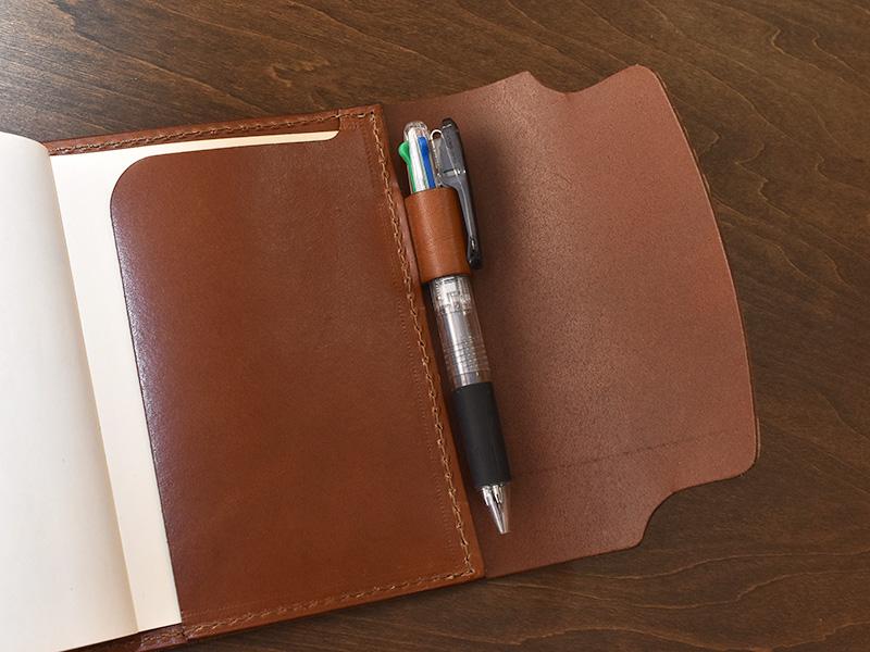 フラプト手帳カバー(KB-3)ペン差し収納例