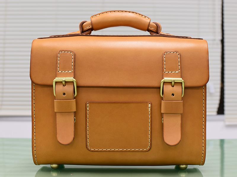 新品のたる型2wayショルダーバッグ(A-20)革色キャメル