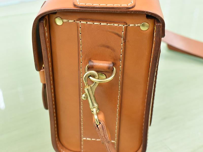 愛用歴1年のたる型2wayショルダーバッグ(A-20)革色キャメルのマチ1