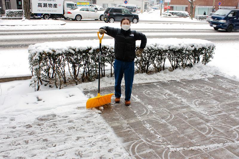 仙台店雪かき風景2