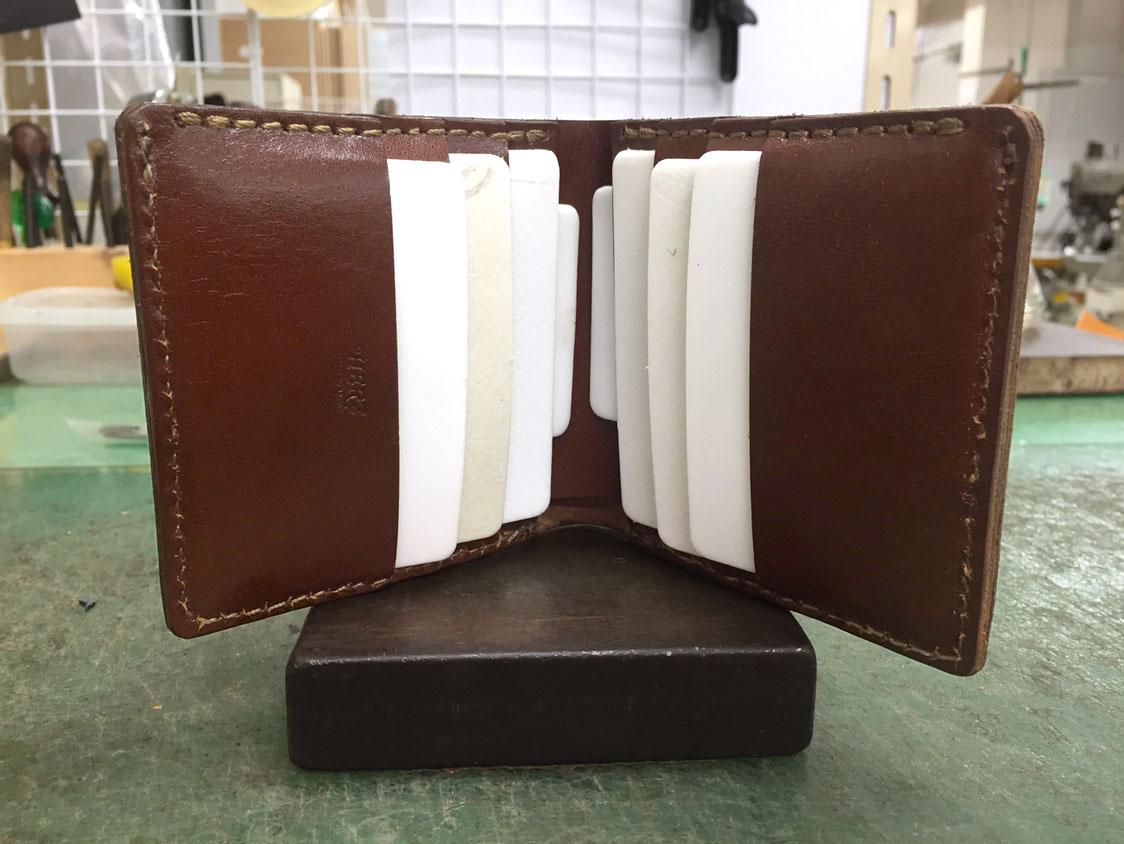 二つ折り財布(WS-4)の試作2を開いた様子