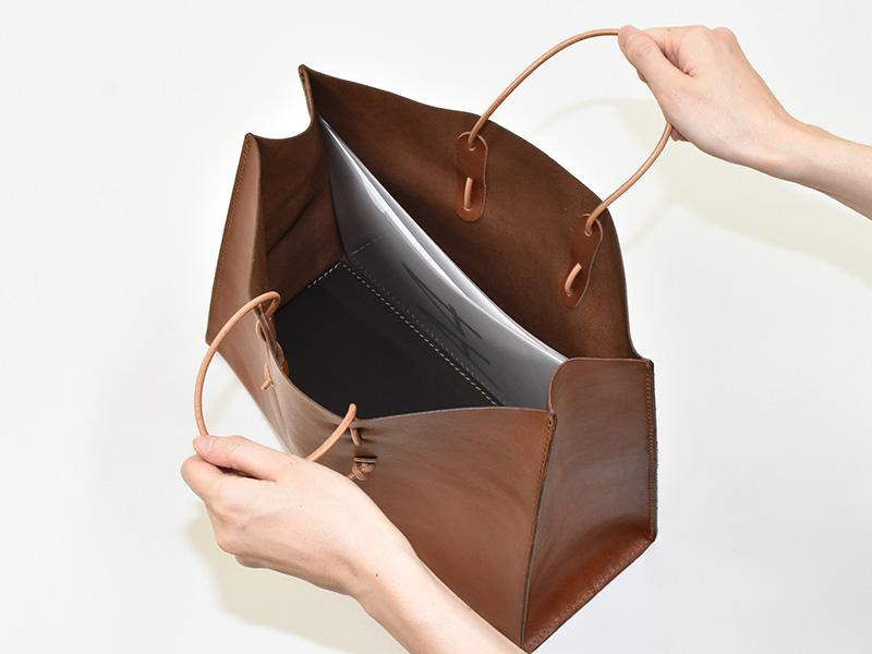 革紙袋(T-5)A4クリアファイル収納例