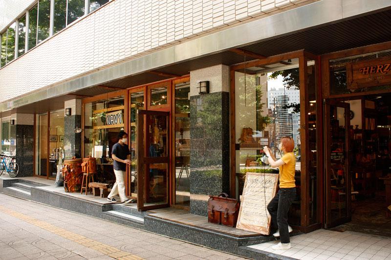 仙台店スタッフの朝仕事5