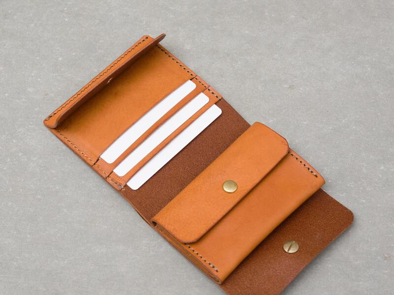 ギボシ留め二つ折り財布(GS-71) カードポケット