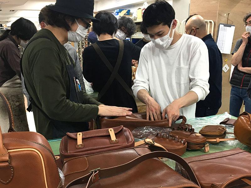 NETワイルド鞄 品評会3